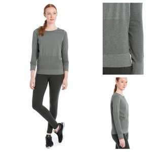 Lolë Isla Greens Heather Long Sleeve Active Top M